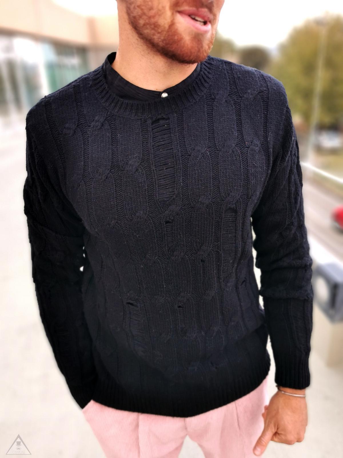 Maglione nero Rotture