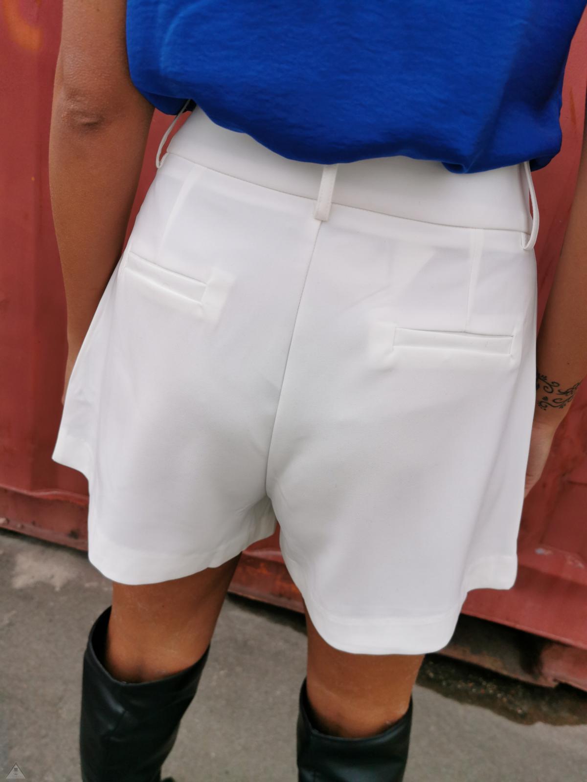Short Pence white