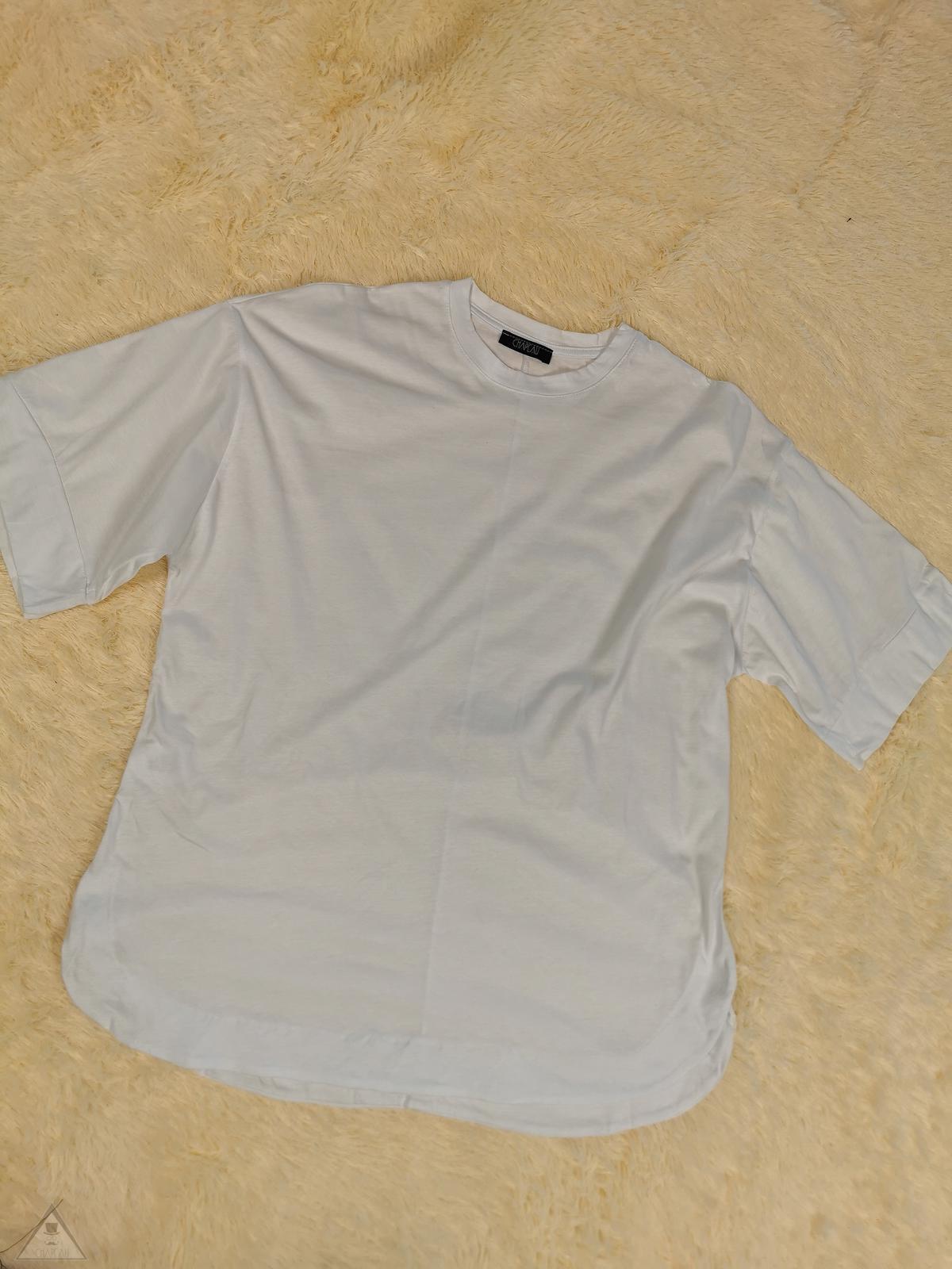 T-shirt over Bianca