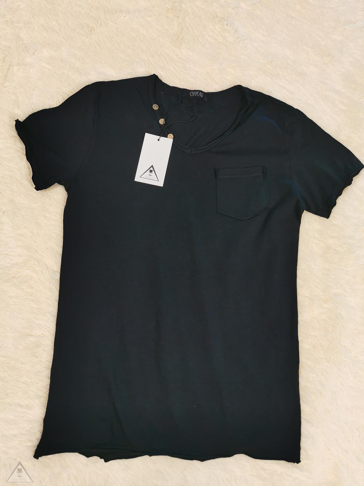 T-shirt V Bottoni